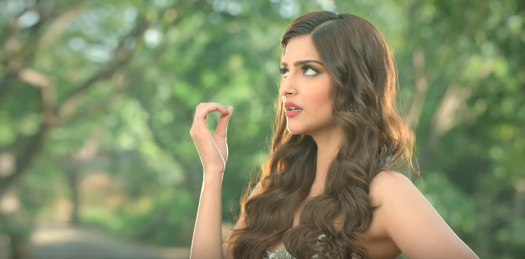 Sonam Kapoor Brand Endorsements Brand Ambassador Advertisements TVCs List Snickers chocolate brand